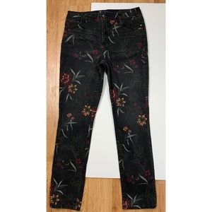 Bandolino Amy Jeans Floral Stretch 6 (30Wx31L)